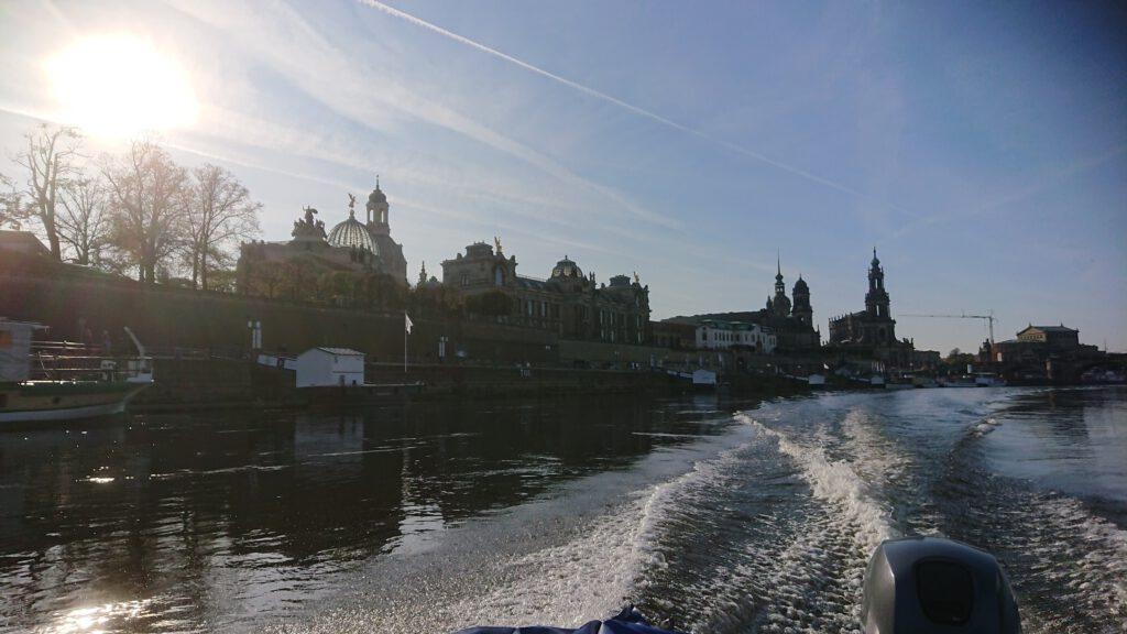 Die Ausbildung findet auf der Elbe im Bereich Dresden statt.